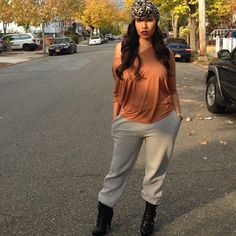 Casual chick (lovin her head wrap) Heels Outfits, Dope Outfits, Urban Outfits, Fall Outfits, Concert Fashion, Concert Style, Fashion Killa, Fashion Addict, Types Of Fashion Styles