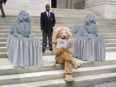 The Lego lions were created by Nathan Sawaya as part of the celebration of the NYPL's anniversary. Garden Sculpture, Lion Sculpture, Lego Sculptures, Reading Library, Bookstores, Libraries, Just For Fun, Bibliophile, Great Photos