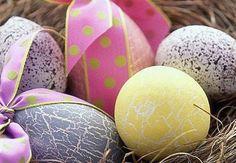 Come colorare le uova in casa pere Pasqua  http://www.alice.tv/ricette-pasqua/colorare-le-uova