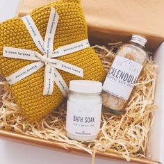 soak gift box bianca lorenne Sea and Clay meet the maker Funny Cocktails, Homemade Business, Mini Spa, Facial Steaming, The Daily Show, Gift Hampers, Breakfast In Bed, All Gifts, Corporate Gifts
