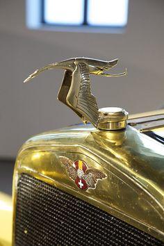 """Años 20 - símbolo Hispano Suiza  Colección """"años 20"""" del Museo Automovilístico de Málaga."""