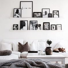 vings fantastischer Sonntag inspo The post Kredit: Joann Matthews.vings fantastischer Sonntag inspo appeared first on Fotowand ideen. Dining Room Wall Decor, Decor Room, Bedroom Decor, Home Decor, Gallery Wall Shelves, Picture Shelves, Gallery Walls, Inspiration Wand, Living Room Inspiration
