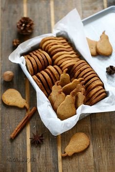 Speculoos - rouziere - My Ideas Biscuit Cookies, Yummy Cookies, Fall Desserts, Just Desserts, Biscuits Croustillants, Cookie Recipes, Dessert Recipes, Desserts With Biscuits, British Baking