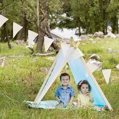 Nothing says Summer fun like an easy to make outdoor (or indoor) play tent!