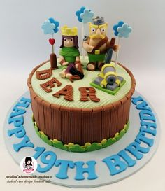 Clash of clan design fondant cake