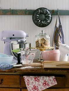 love the lavender kitchen aid..
