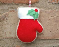 Handmade Felt Christmas stocking ornament от TillysHangout на Etsy