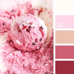 A typical soft color palette for a wedding: shades of beige, vanilla-yellow color, color of vanilla-strawberry ice cream. This color is very popular in children's clothing for girls, adult romantic people can also use shades of pink in clothes. Light pink color in the interior creates a soft, airy and relaxing atmosphere.