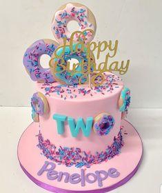 2nd Birthday Party For Girl, Donut Birthday Parties, 3rd Birthday Cakes, Birthday Ideas, Ice Cream Party, Party Cakes, Donuts, Birthdays, Cupcakes