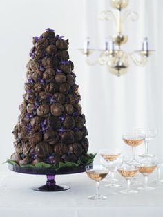 Paris Celebrations: French wedding cake: Croquembouche