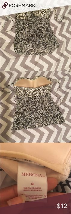 Women's bathing suit top in excellent condition! Women's  Medium bathing suit top in excellent condition! Merona Swim