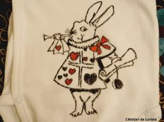 Customisation de bodie Alice aux Pays des Merveilles - cadeau de naissance - customize bodie alice in wonderlands - Gift Birth