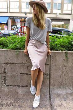 Zara Dusty Pink Satin Pencil Midi Skirt by Josefin Dahlberg Midi Rock Outfit, Midi Skirt Outfit, Skirt Outfits, Casual Outfits, Dress Skirt, Superga Outfit, Superga Shoes, Satin Midi Skirt, Silk Skirt