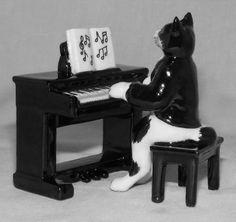 CAT Blk/Wht at Electric PIANO New MINIATURE Porcelain Figurine NORTHERN ROSE MB020B  $24.99