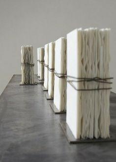 Elizabeth Brillet, Porcelain Books with psalms printed on them Contemporary Ceramics, Contemporary Art, Ceramic Pottery, Ceramic Art, Books Art, Book Sculpture, Paper Sculptures, Ceramic Sculptures, Atelier D Art