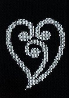 New Zealand Maori Heart Koru Design Cross Stitch Pattern Cross Stitch Tattoo, Cross Stitch Heart, Maori Patterns, Heart Patterns, Weaving Patterns, Quilt Patterns, Crochet Patterns, Cross Stitching, Cross Stitch Embroidery