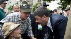 Renzi a Pordenone incontra un reduce alpino di 101 anni