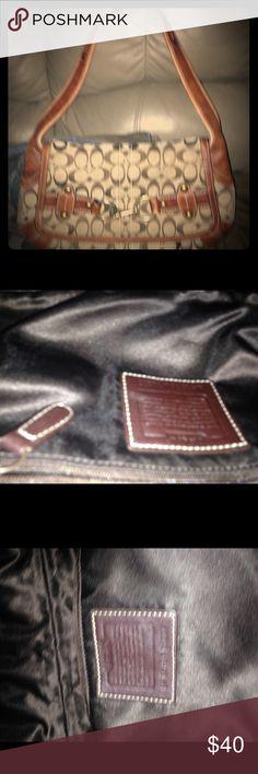 Authentic Coach shoulder purse Nice condition Coach Bags Shoulder Bags