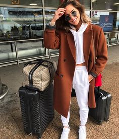 COCOMO - Reiseoutfits, You are in the right place about chill outfits Here we Winter Fashion Outfits, Fall Winter Outfits, Look Fashion, Trendy Outfits, Autumn Fashion, Comfy Fall Outfits, Womens Fashion, Fashionable Outfits, Petite Fashion