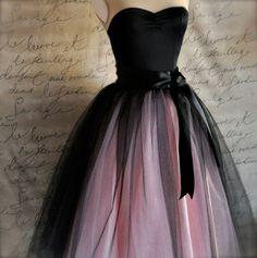 Women's tulle skirt in black over pink tulle and satin Princess Prom Dresses, Pretty Prom Dresses, Plus Size Prom Dresses, Black Prom Dresses, Ball Dresses, Elegant Dresses, Cute Dresses, Evening Dresses, Wedding Dresses