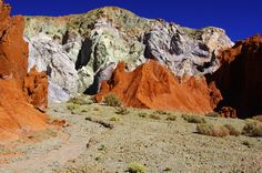 "https://flic.kr/p/mCi6rW | Valle del Arcoiris, Rainbow Valley, San Pedro de Atacama, Chile | Valle del Arcoiris  Or Rainbow Valley. It features three different parts, all of them interesting. The ""Hierbas Buenas"" petroglyph site is the first, featuring over a thousand ancient stone carvings from the ancient ""atacameño"" people. They're from all time periods, from the first caravaners to the Incas. Most tours just visit sites 1 and 2, but that should be enough to afford a p..."