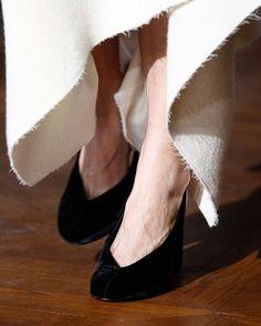 #StellaMcCartney #velvetshoes #velvetheels #AW2015 #PFW