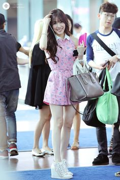 I always love Tiffany's airport fashion! can't wait until she wears pretty dresses again in spring/summer ^_^