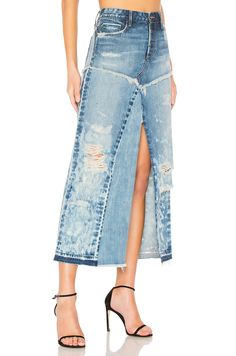 New TORTOISE Manani Skirt online. Perfect on the Wilt womens-clothing from top clothing store. Fashion Wear, Denim Fashion, Fashion Outfits, Denim Ideas, Denim Trends, Diy Tulle Skirt, Top Clothing Stores, Denim Skirt Outfits, Merian