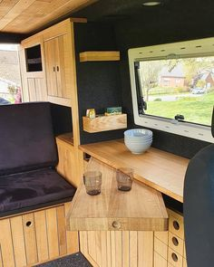 Van Conversion Interior, Camper Van Conversion Diy, Bus Interior, Campervan Interior, Retro Caravan, Camper Caravan, Camper Furniture, T6 California, Camper Van Life