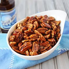 Bacon and Beer Glazed Pecans with Blue Moon beer, brown sugar, crumbled bacon, sea salt and fresh ground pepper. Great snack for a game night or party. Nut Recipes, Beer Recipes, Bacon Recipes, Appetizer Recipes, Snack Recipes, Cooking Recipes, Appetizers, Yummy Snacks, Recipes