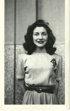 1940s - such simple beauty. wish it was still like this today instead of stick skinny slutty girls