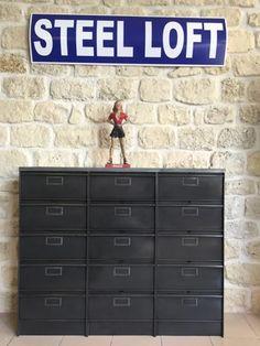 Mobilier-industriel-meuble-clapets-Roneo-chaussures-Steel-loft-Paris-3x5s-ronéo-clapets