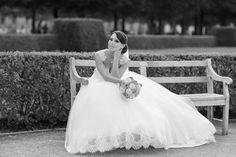 Hochzeitsfotograf in München Photographer Wedding, Wedding Photography, Wedding Gallery, Munich, Real Weddings, Flower Girl Dresses, Wedding Inspiration, Bavaria Germany, Bride