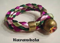 Trenza redonda de 4 cabos Crochet Crafts, Bracelets, Jewelry, Leather Art, Craft, Vixen Sew In, Braided Leather Bracelets, Leather Accessories, Handmade Jewelry