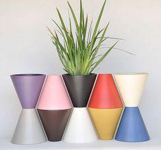 Vessel USA of San Diego specializes in LaGardo Tackett's 1950s era architectural pottery.