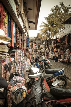 Street view: Bali. A view of Ubud Market, Bali. // + #travel #places #street #culture #asia #Indonesia #vendors