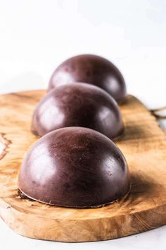 Chocolate Recipes: Chocolate Dome filled with Chocolate Mousse, Dulce de Leche and Chocolate Cake Chocolate Dome, Chocolate Spoons, Chocolate Desserts, Valentine Desserts, Fancy Desserts, Wedding Desserts, Best Chocolate Cheesecake, Chocolate Mousse Cake, Orange Zest Cake
