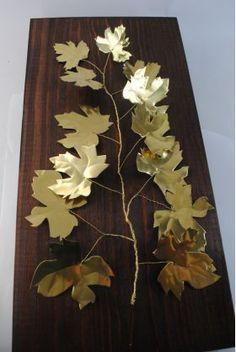 Χειροποίητο διακοσμητικό τοίχου, κλαδί αμπελιάς από ορείχαλκο σε ξύλινη βάση διαστάσεων 20 Χ 40. Wire Art, Diy And Crafts, Metal, Frame, Nature, Gifts, Painting, Decor, Craft