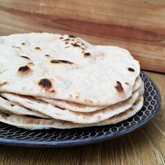 LAVAŠ- zdravý nekysnutý chlieb | Adelka's Kitchen Lava, Cheesecake, Clean Eating, Bread, Breakfast, Healthy, Ethnic Recipes, Kitchen, Food