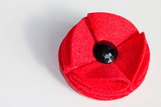 simple style- felt poppy brooch on etsy - £4 with £1 donation to the poppy appeal
