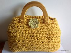 See related links to what you are looking for. Small Backpack, Travel Backpack, Crochet Purses, Crochet Bags, Photo Tutorial, Beautiful Crochet, Clutch Purse, School Bags, Straw Bag