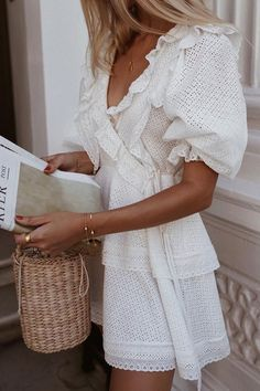 40 Best Ideas For Basket Blanche Femme Tendance 2019 Dresses For Teens, Summer Dresses For Women, Spring Summer Fashion, Spring Outfits, Outfit Summer, Spring Break, Easy Style, Anna Wintour, Night Outfits