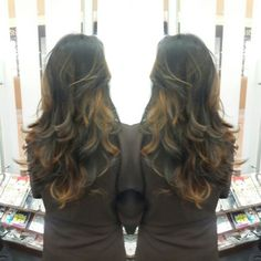 #hair #cabello #sunkissed #besosDeSol #color #cut #corte #layers #capas #hairdresser #hairstylist #estilista #peluquero #Panama #pty #axel #axel04 #multiplaza #picoftheday #mirrorphoto