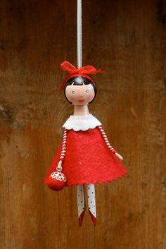Clothespin Doll...red dress Salt and Pepper: December 2009