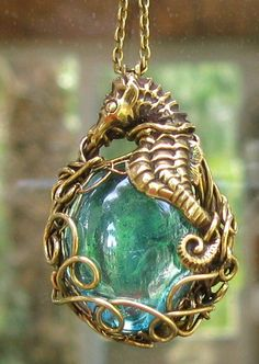 https://flic.kr/p/8zvi4u | Seahorse Necklace | I have finally taken a good picture that show the true color of the glass cabochon.      Tangocatgems Original designs