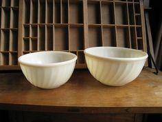 Fire King Swirl Bowls / Vintage Mixing Bowls / Ivory Vitrock Fire King Bowl Set