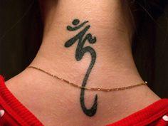 2017 trend Tattoo Trends - 6 Holy Sanskrit Tattoo Designs For Men Ganesh Tattoo, Sanskrit Tattoo, Ohm Tattoo, Om Symbol Tattoo, Tattoo Hals, Get A Tattoo, Tattoo Symbols, Ohm Symbol, Bild Tattoos