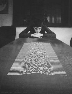 Joy Division-Unknown Pleasures. Radio frequencies from the first discovered pulsar.