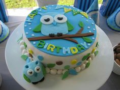 Owl Party Cake boy birthday party ideas www.spaceshipsandlaserbeams.com