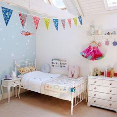 Decorar con banderines el dormitorio infantil   Estilo Escandinavo